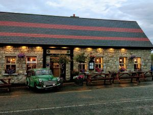 Byrne & Woods Bar and Restaurant