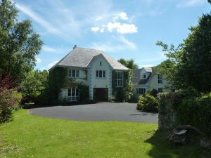 Knocklyon House B&B